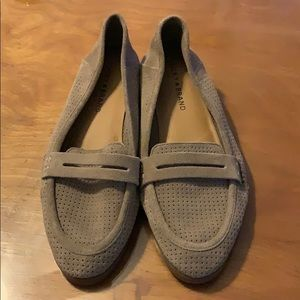 Lucky brand perforated taupe loafer
